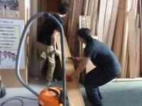 木材の整理作業