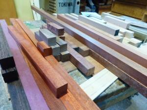 カラフルな木材