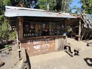 フィリピンの田舎にある駄菓子屋さん