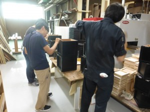 木箱製作風景