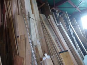 数々の木材