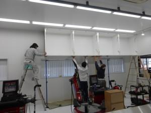 吊戸棚 設置補助
