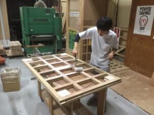 木工ボンドは薄く素早く塗る!
