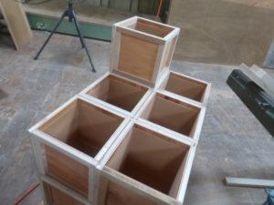 作成された実験用BOXの側面