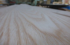 なんの木材だろう…?(´・ω・)