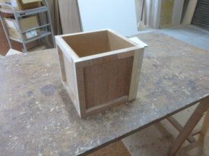 製作途中の箱1
