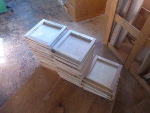 製作した木箱の側板